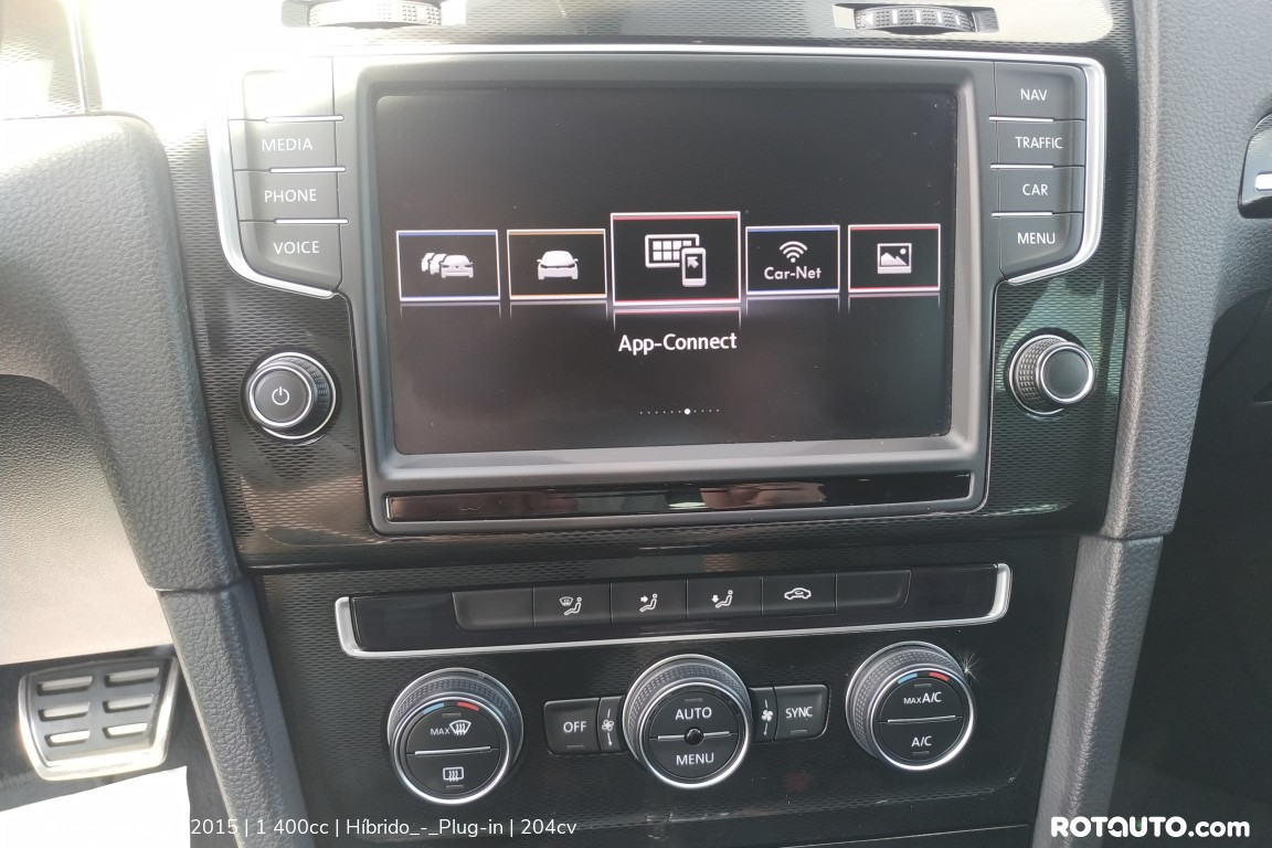 Carro_Usado_Volkswagen_Golf_2015_1400_Hibrido_-_Plug-in_20_high.jpg