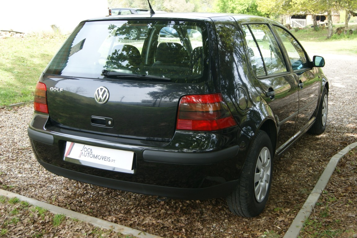 Carro_Usado_Volkswagen_Golf_1999_1390_Gasolina_11.jpg