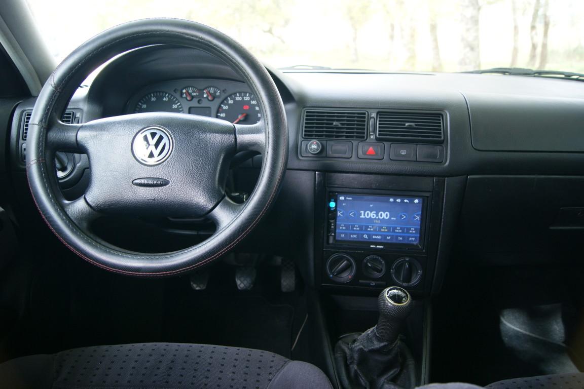 Carro_Usado_Volkswagen_Golf_1999_1390_Gasolina_7.jpg