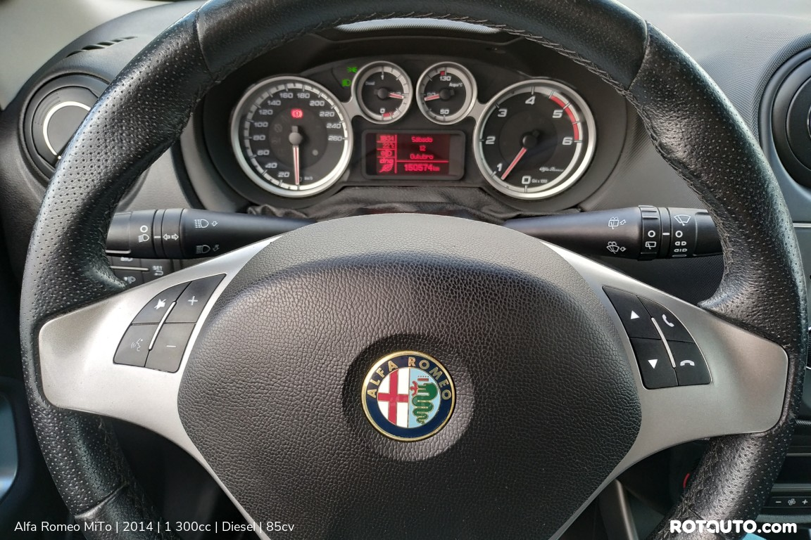 Carro_Usado_Alfa_Romeo_MiTo_2014_1300_Diesel_16_high.jpg