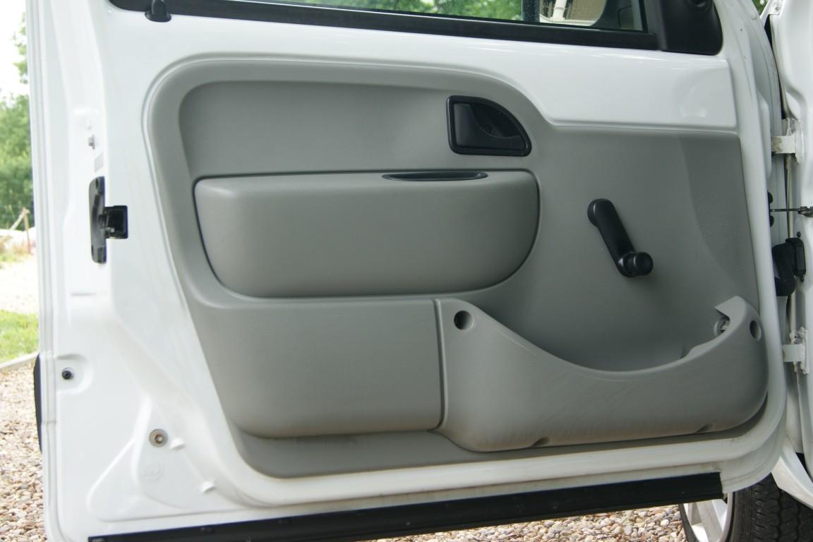 Carro_Usado_Renault_Kangoo_2007_1461_Diesel_3.jpg
