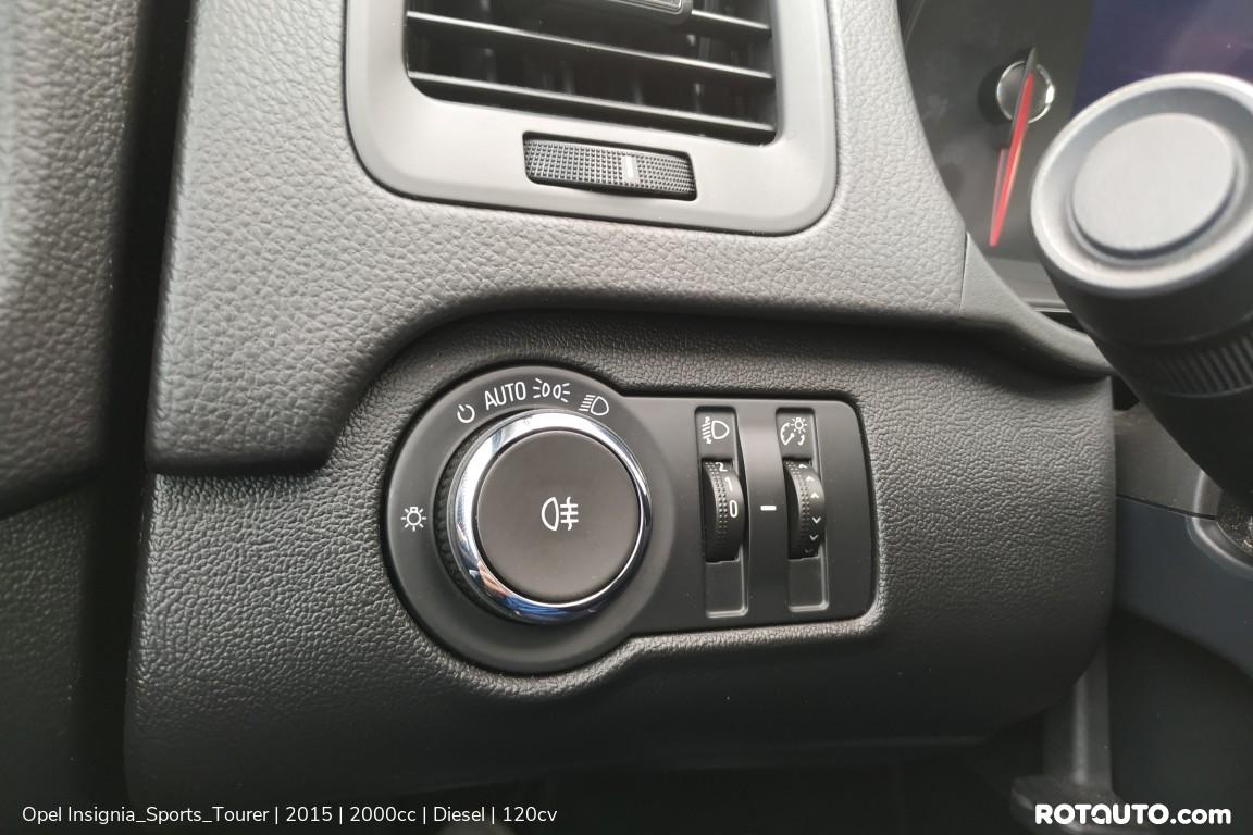 Carro_Usado_Opel_Insignia_Sports_Tourer_2015_2000_Diesel_41.25_high.jpg
