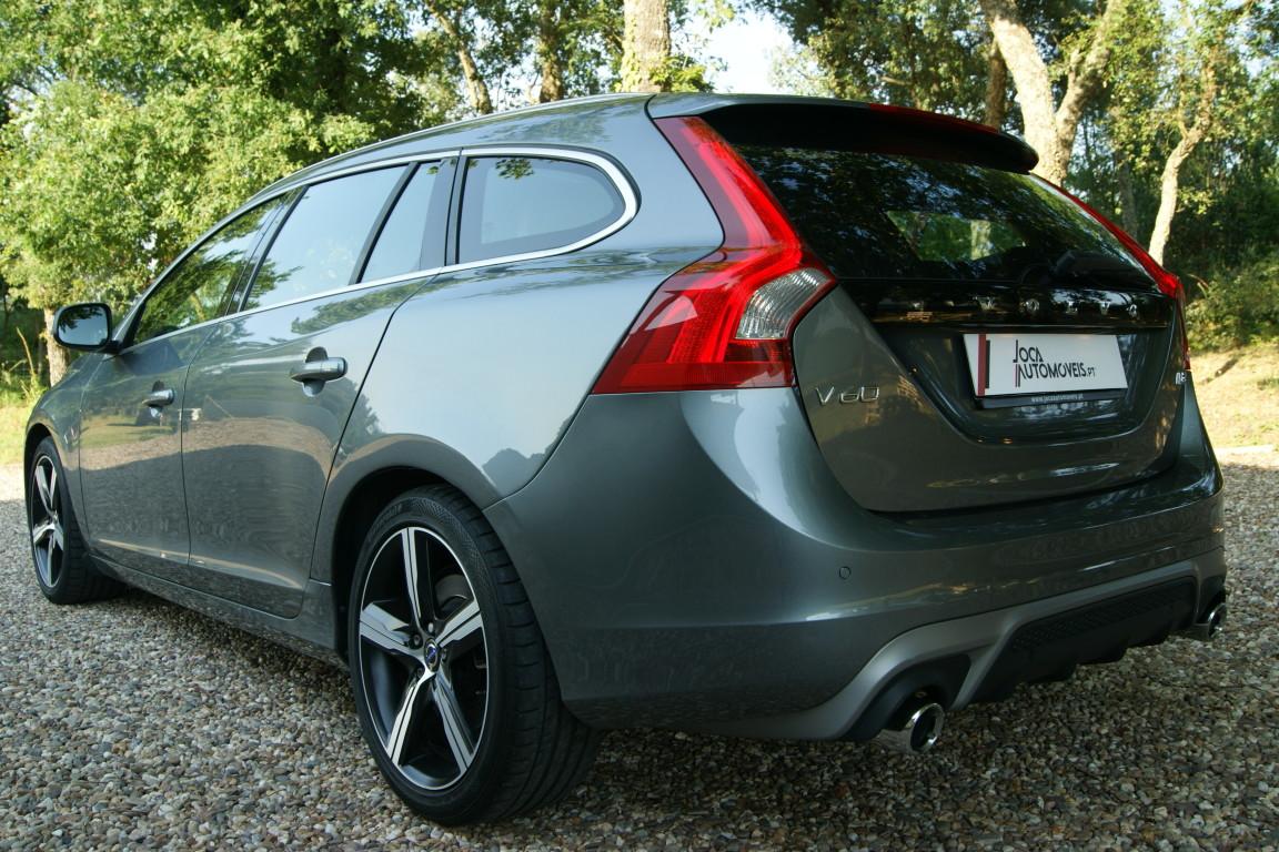 Carro_Semi-novo_Volvo_V60_2018_1969_Diesel_14.jpg
