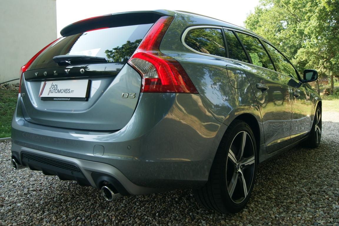 Carro_Semi-novo_Volvo_V60_2018_1969_Diesel_17.jpg