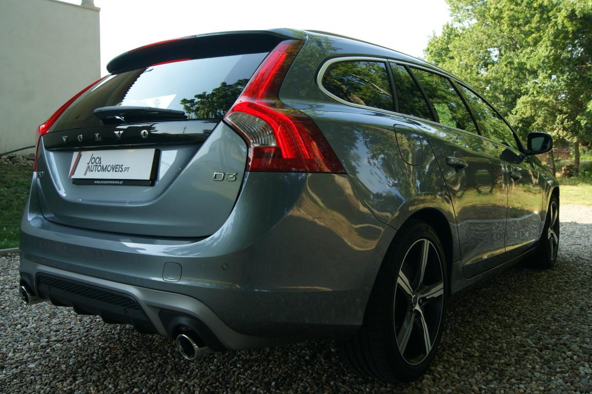 Carro_Semi-novo_Volvo_V60_2018_1969_Diesel_18.jpg