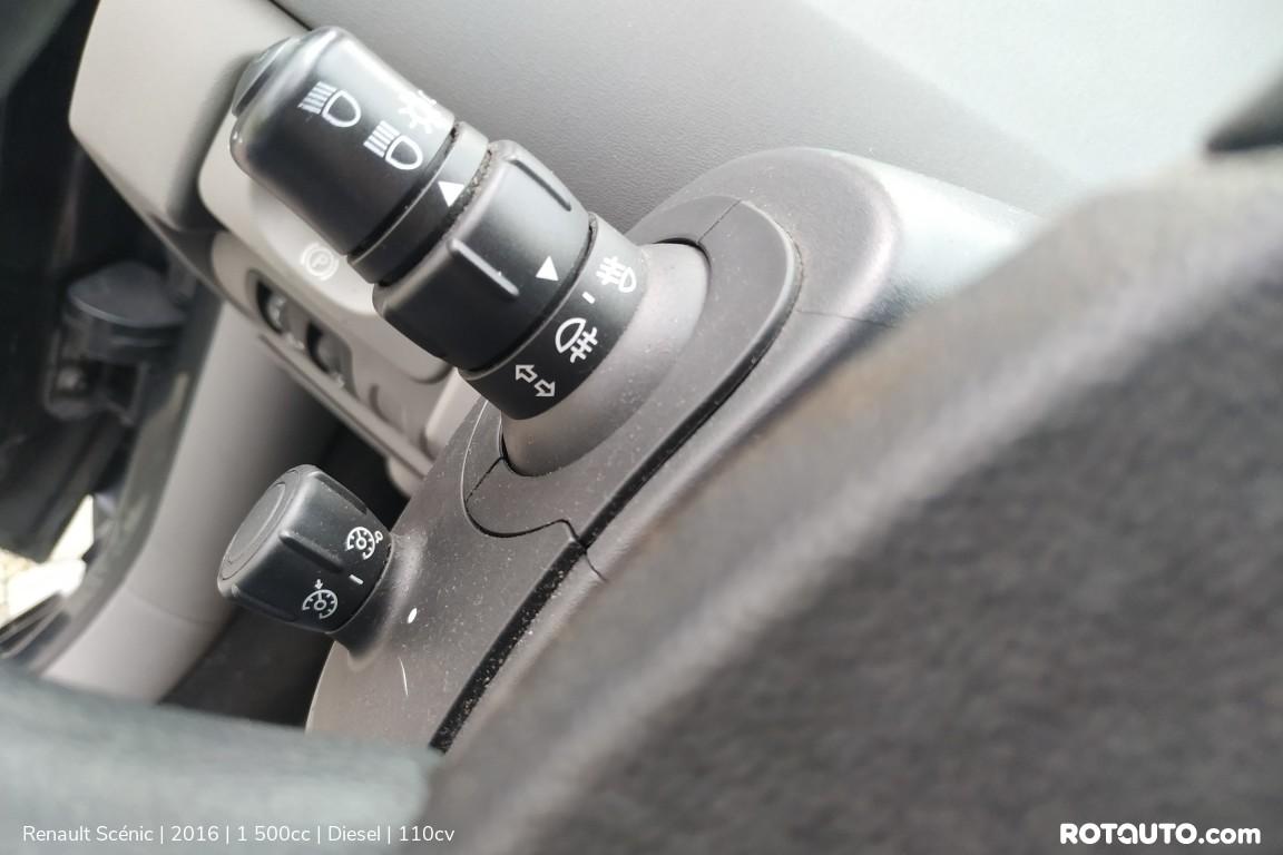 Carro_Usado_Renault_Scenic_2016_1500_Diesel_14_high.jpg
