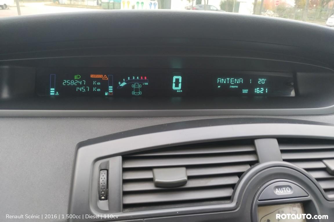 Carro_Usado_Renault_Scenic_2016_1500_Diesel_21_high.jpg