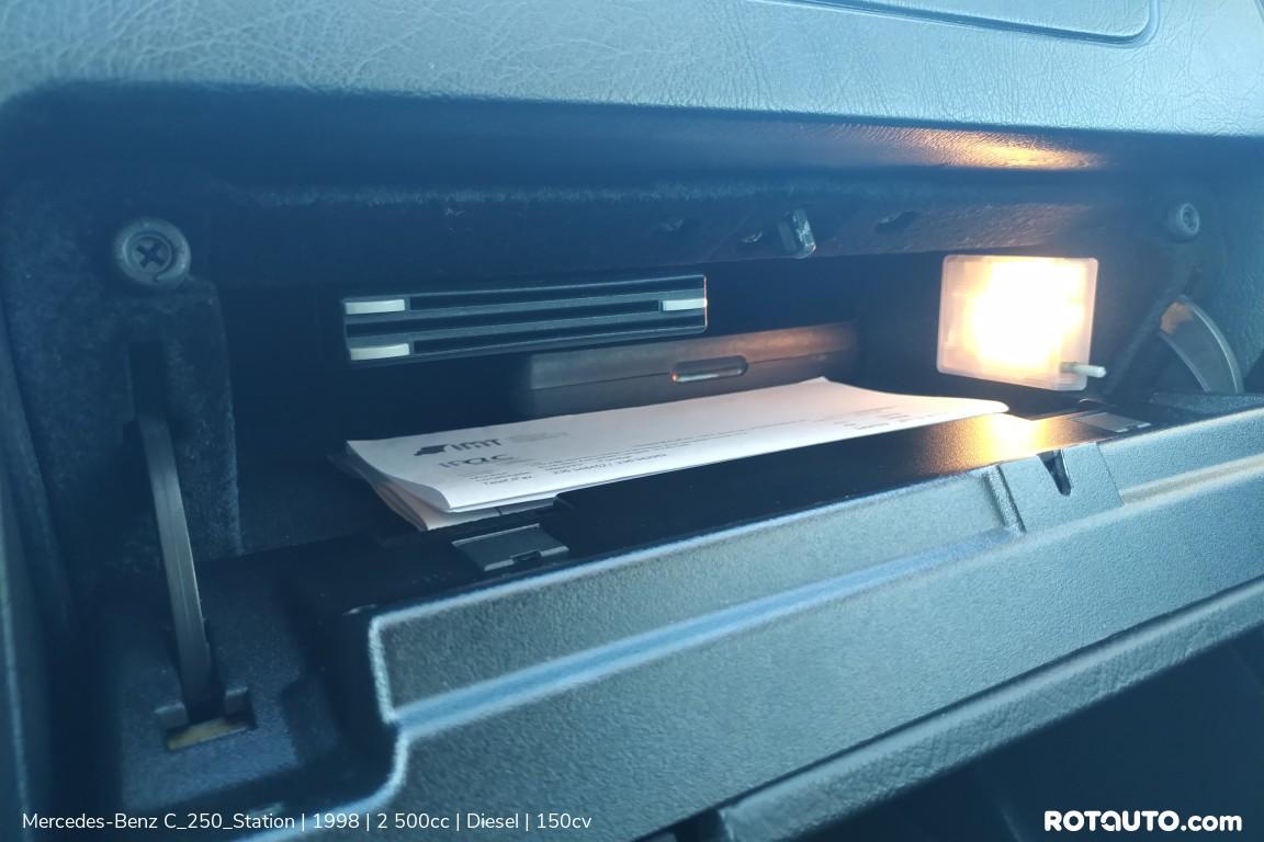 Carro_Usado_Mercedes-Benz_C_250_Station_1998_2500_Diesel_21_high.jpg