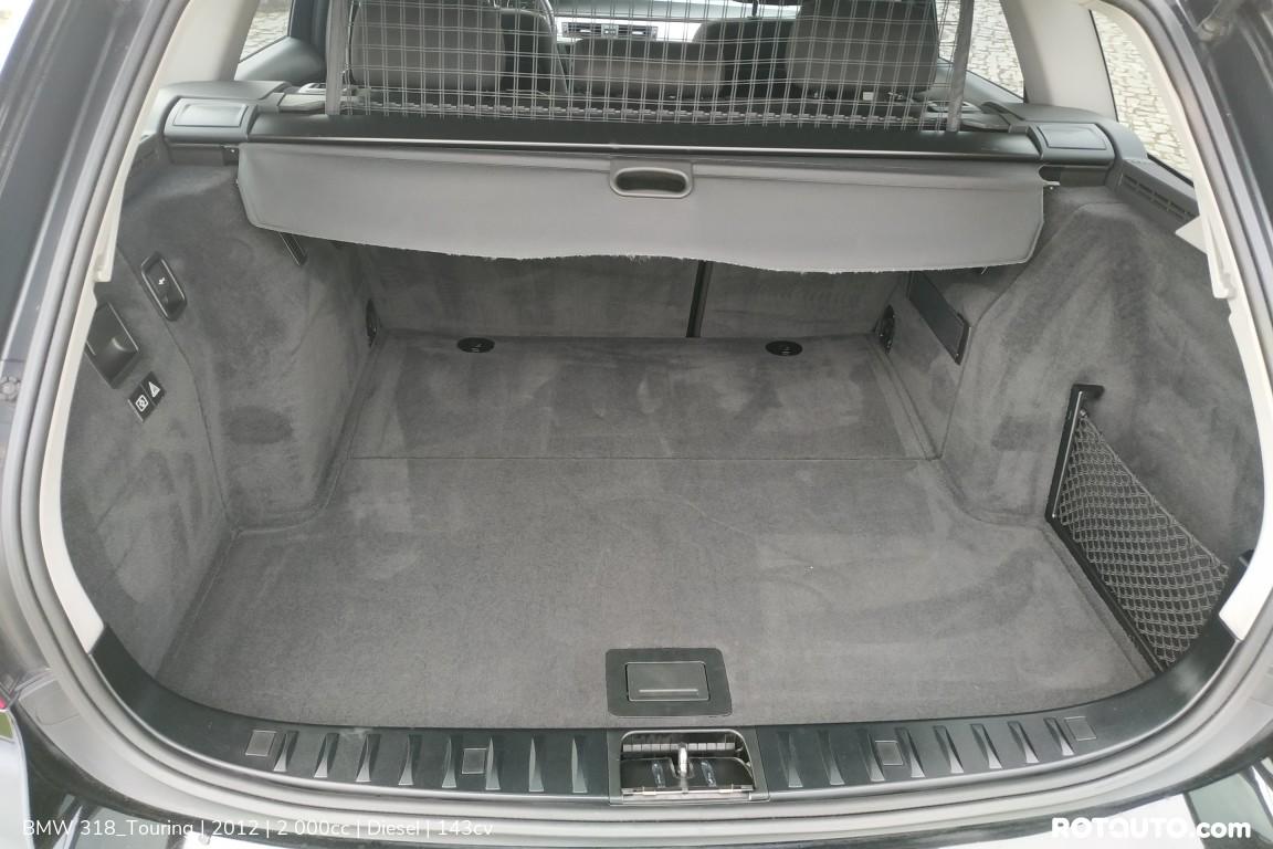 Carro_Usado_BMW_318_Touring_2012_2000_Diesel_10_high.jpg