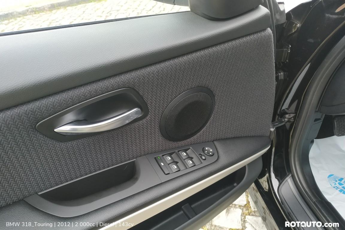 Carro_Usado_BMW_318_Touring_2012_2000_Diesel_13_high.jpg
