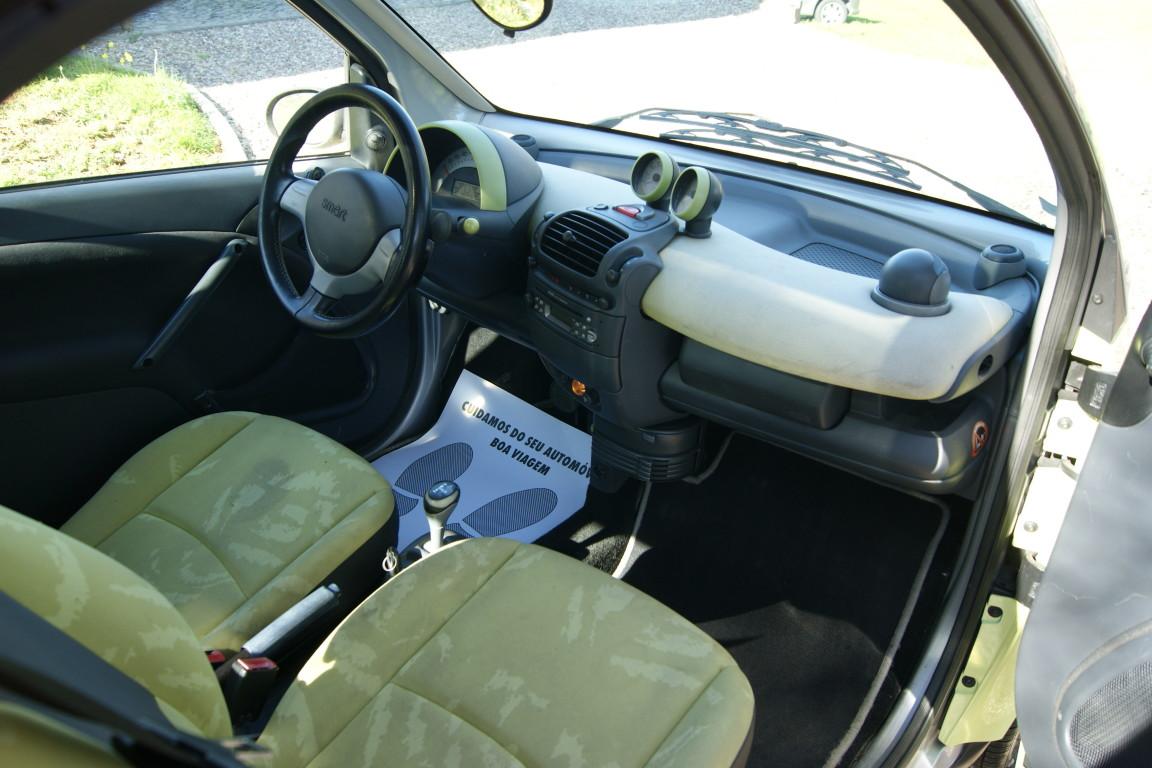 Carro_Usado_Smart_Fortwo_2004_698_Gasolina_8.jpg