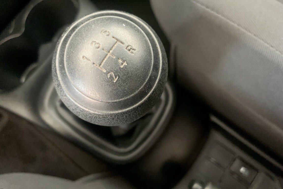 Carro_Usado_Toyota_Yaris_2015_998_Gasolina_frente_17.5.jpg
