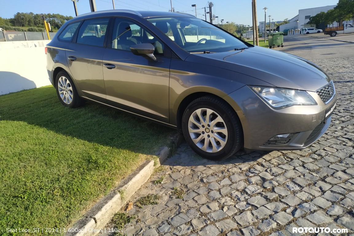 Carro_Usado_Seat_Leon_ST_2014_1600_Diesel_3_high.jpg