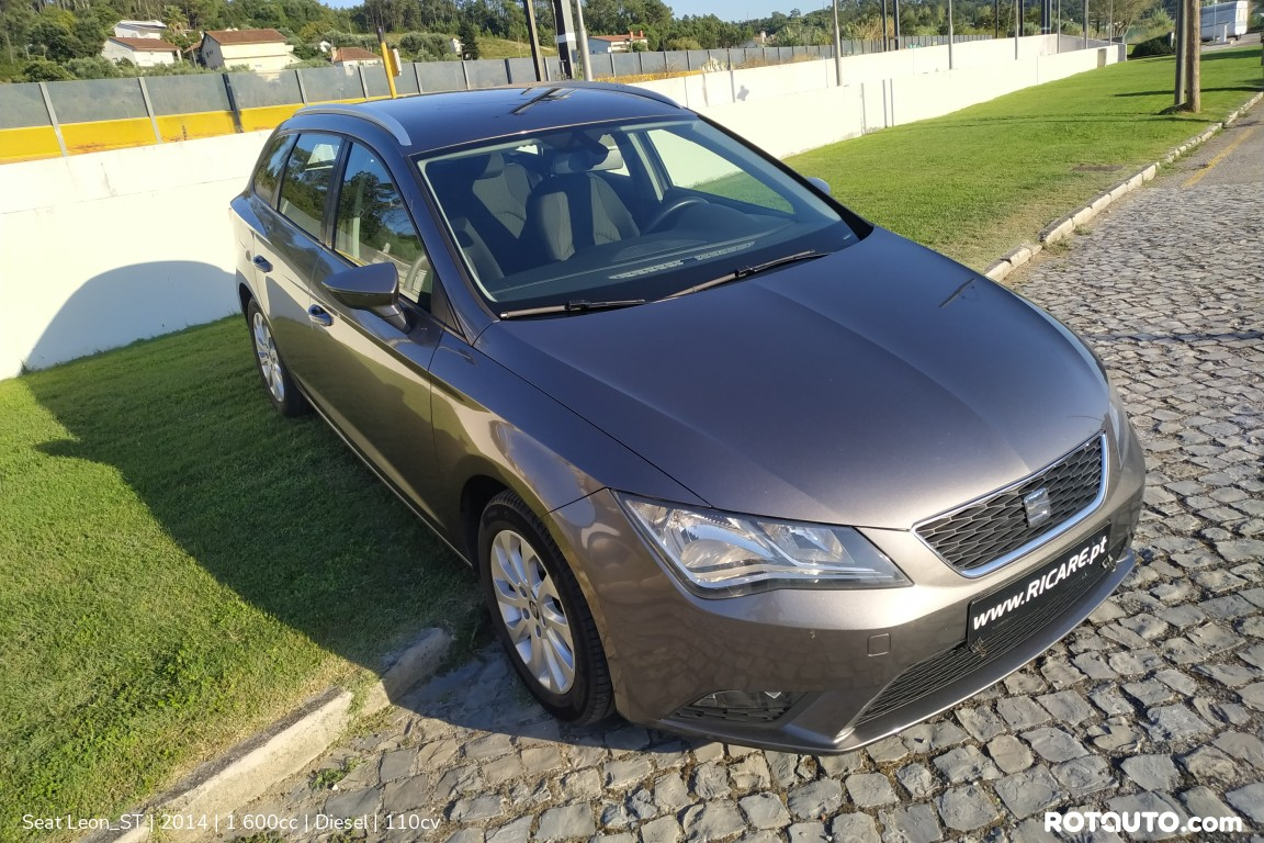 Carro_Usado_Seat_Leon_ST_2014_1600_Diesel_high.jpg