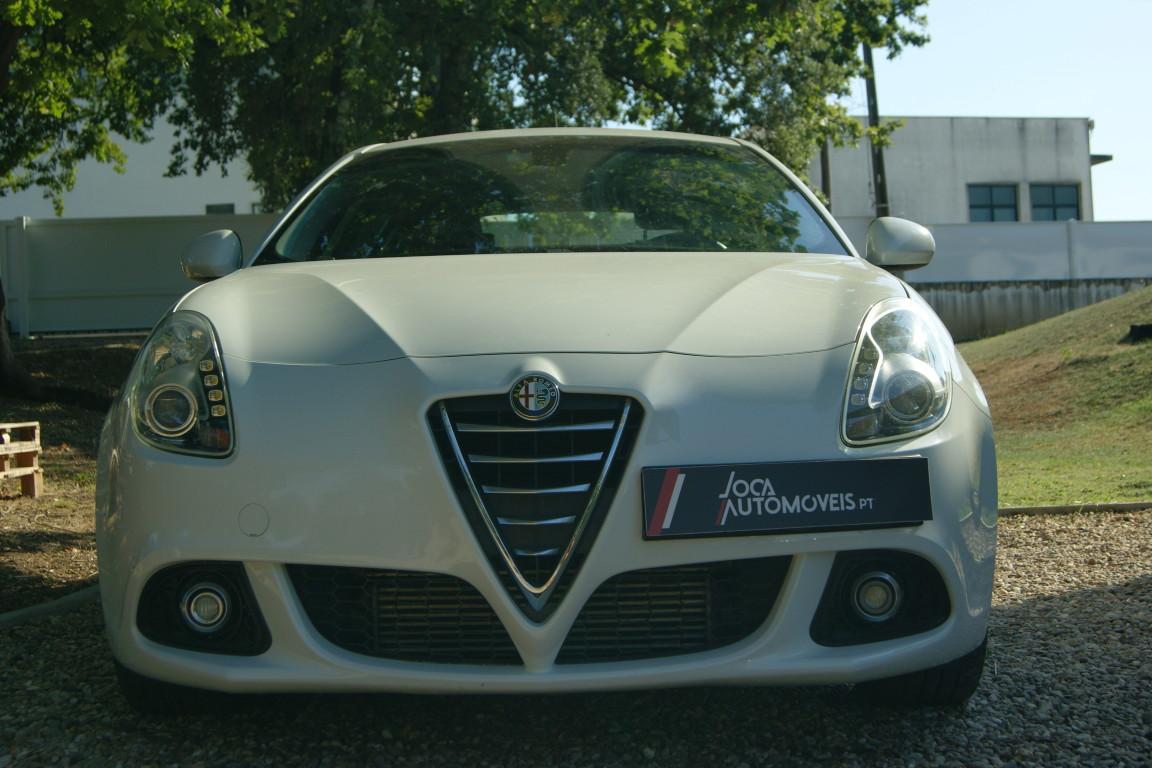 Carro_Semi-novo_Alfa_Romeo_Giulietta_2015_1598_Diesel_12.jpg