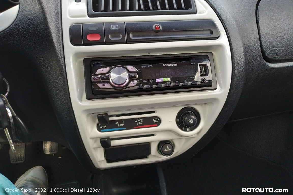 Carro_Usado_Citroen_Saxo_2002_1600_Diesel_11_high.jpg