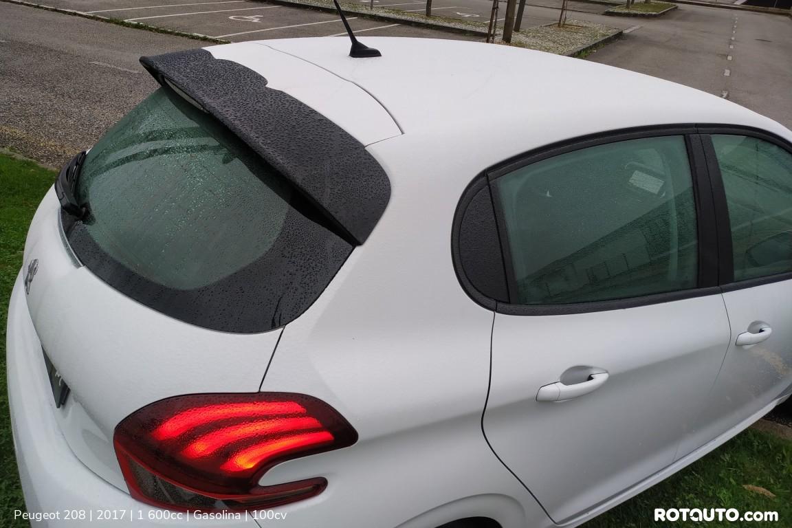Carro_Usado_Peugeot_208_2017_1600_Gasolina_10_high.jpg