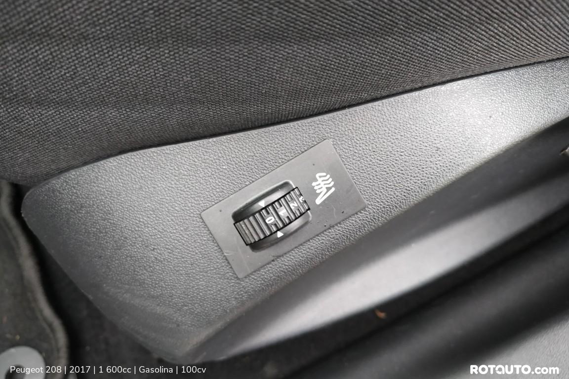 Carro_Usado_Peugeot_208_2017_1600_Gasolina_15_high.jpg