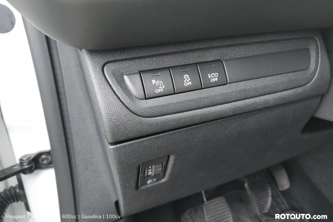 Carro_Usado_Peugeot_208_2017_1600_Gasolina_17_high.jpg