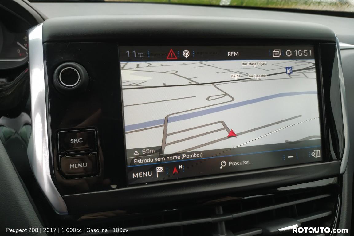 Carro_Usado_Peugeot_208_2017_1600_Gasolina_22_high.jpg