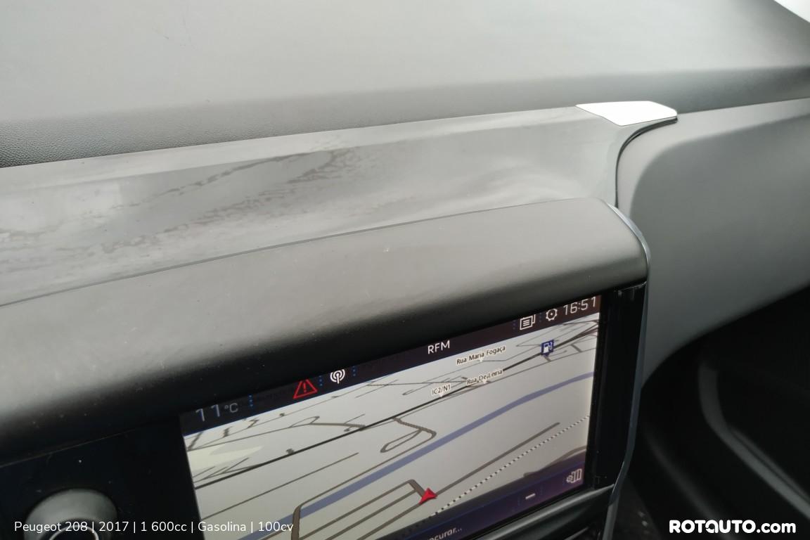 Carro_Usado_Peugeot_208_2017_1600_Gasolina_23_high.jpg
