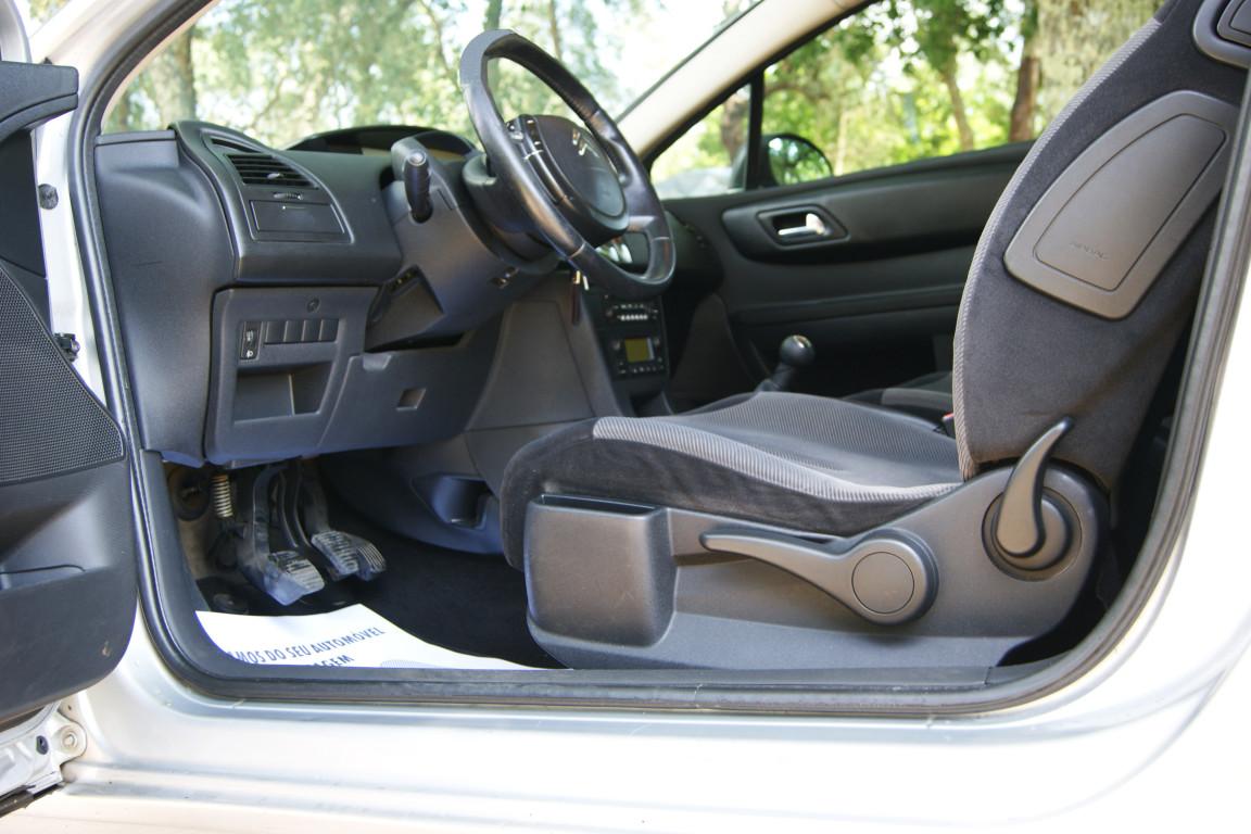 Carro_Usado_Citroen_C4_Coupe_2006_1560_Diesel_5.jpg