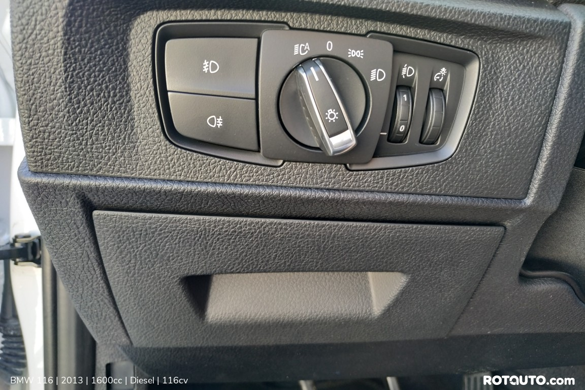 Carro_Usado_BMW_116_2013_1600_Diesel_42_high.jpg
