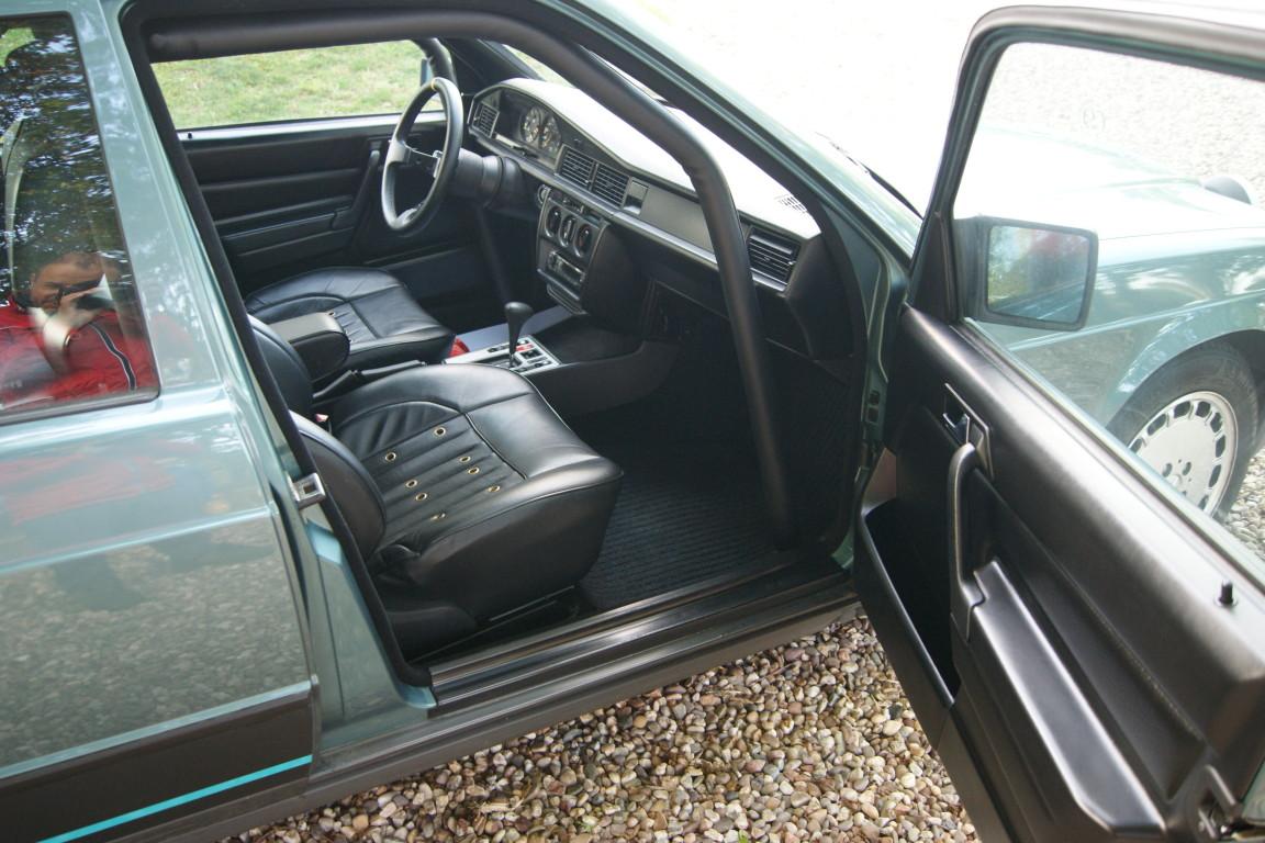 Carro_Usado_Mercedes-Benz_190_E_1984_1997_Gasolina_12.jpg