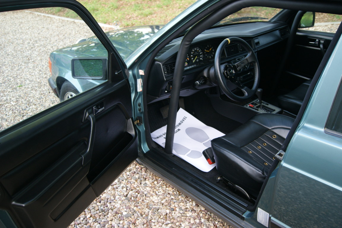 Carro_Usado_Mercedes-Benz_190_E_1984_1997_Gasolina_8.jpg
