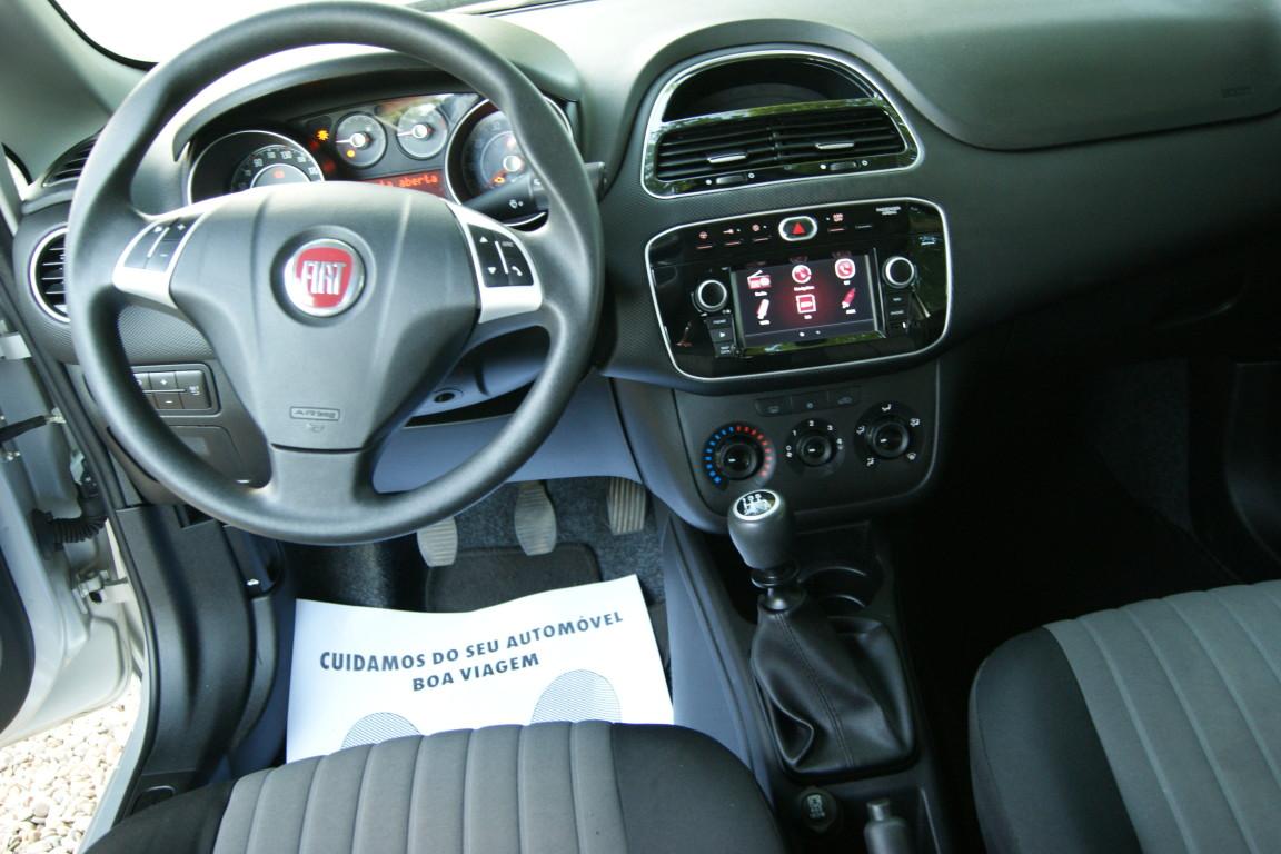 Carro_Semi-novo_Fiat_Punto_2017_1242_Gasolina_6.jpg