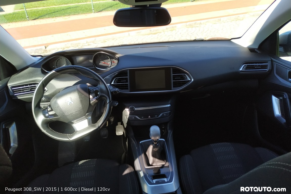 Carro_Usado_Peugeot_308_SW_2015_1600_Diesel_15_high.jpg