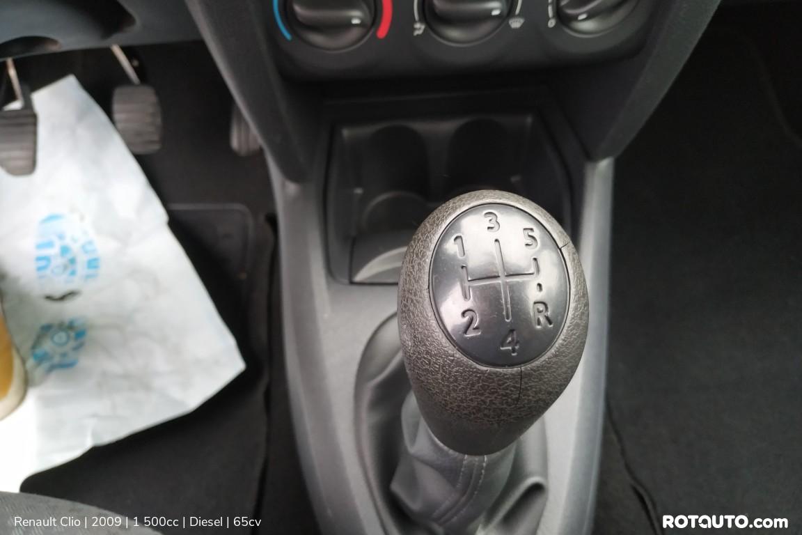 Carro_Usado_Renault_Clio_2009_1500_Diesel_17_high.jpg
