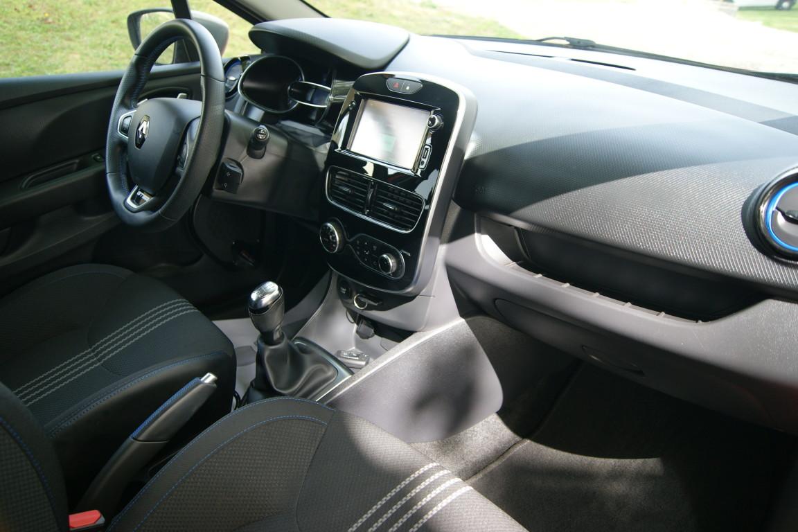 Carro_Semi-novo_Renault_Clio_Sport_Tourer_2018_1461_Diesel.jpg
