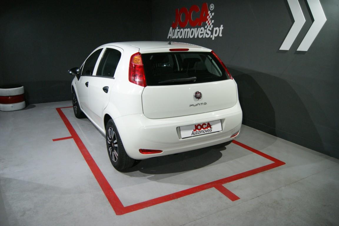 Carro_Usado_Fiat_Punto_2017_1242_Gasolina_2.jpg