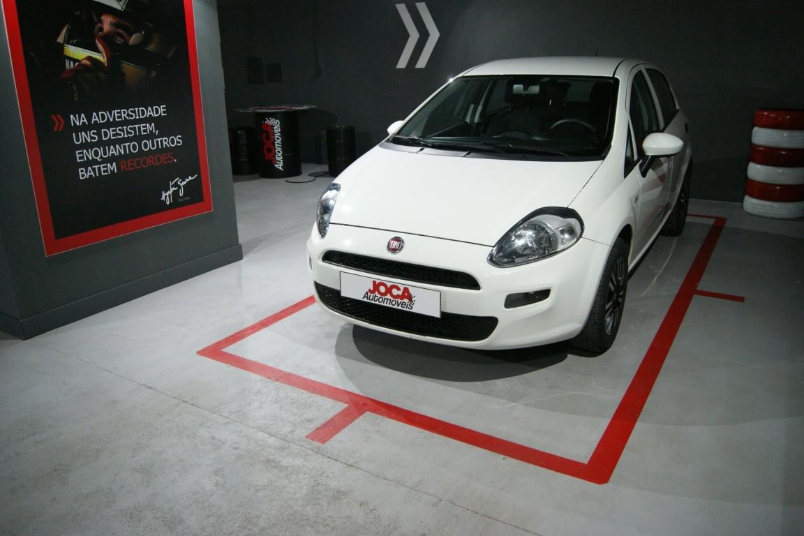 Carro_Usado_Fiat_Punto_2017_1242_Gasolina_8.jpg