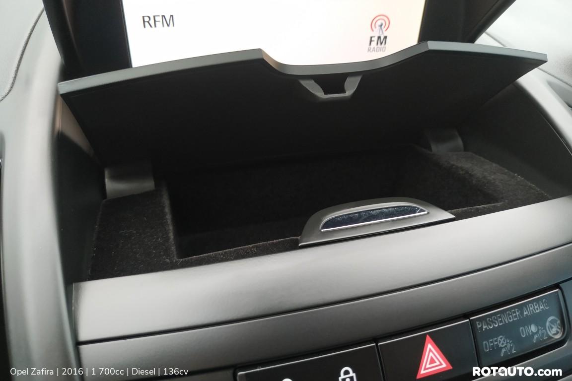 Carro_Usado_Opel_Zafira_2016_1700_Diesel_25_high.jpg
