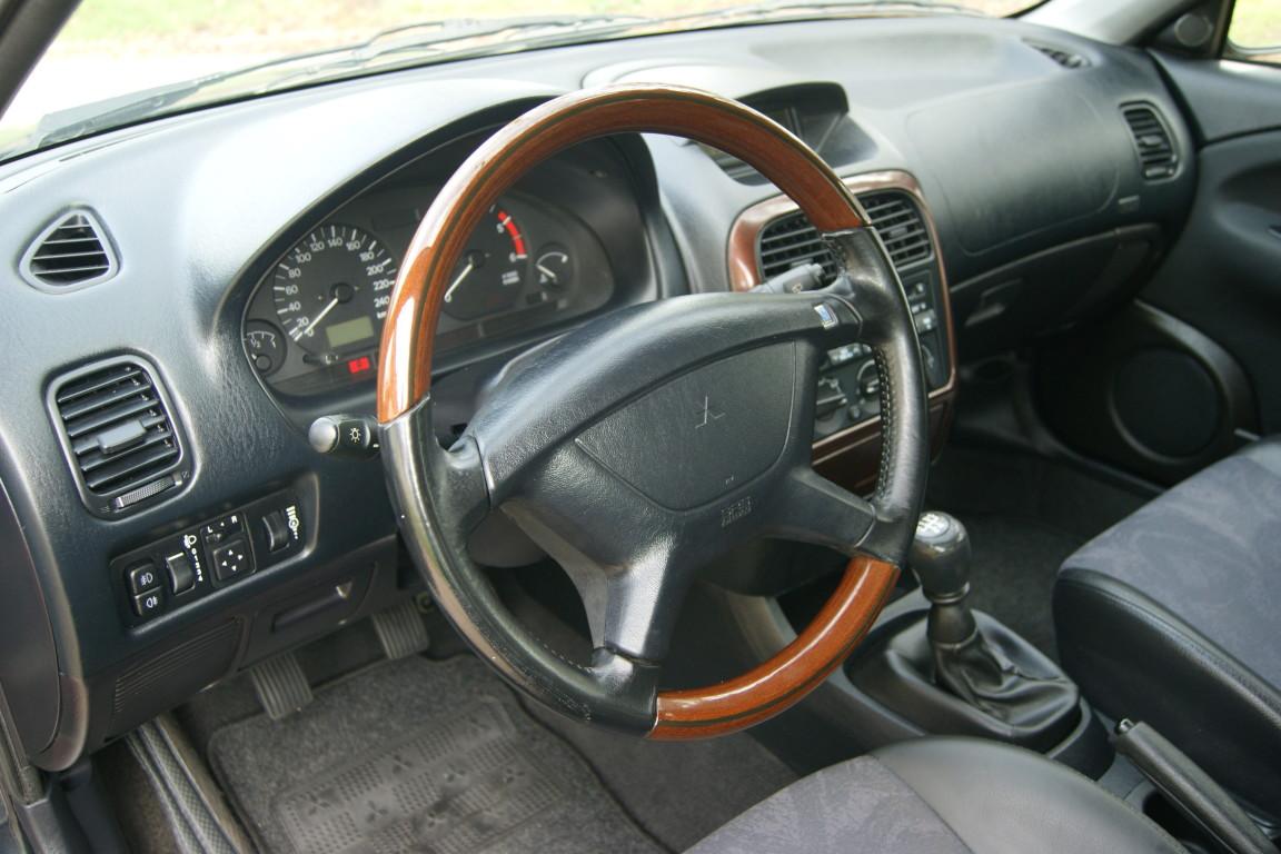 Carro_Usado_Mitsubishi_Carisma_2000_1870_Diesel_5.jpg