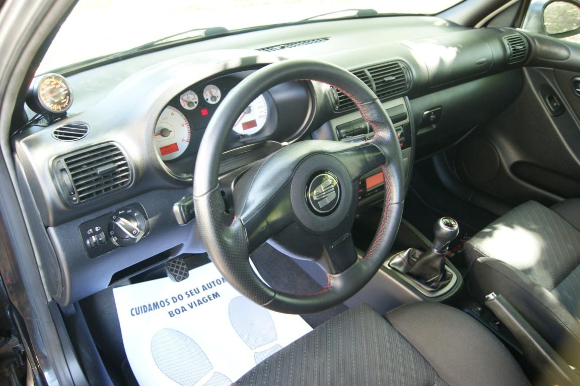Carro_Usado_Seat_Leon_2003_1896_Diesel_11.jpg