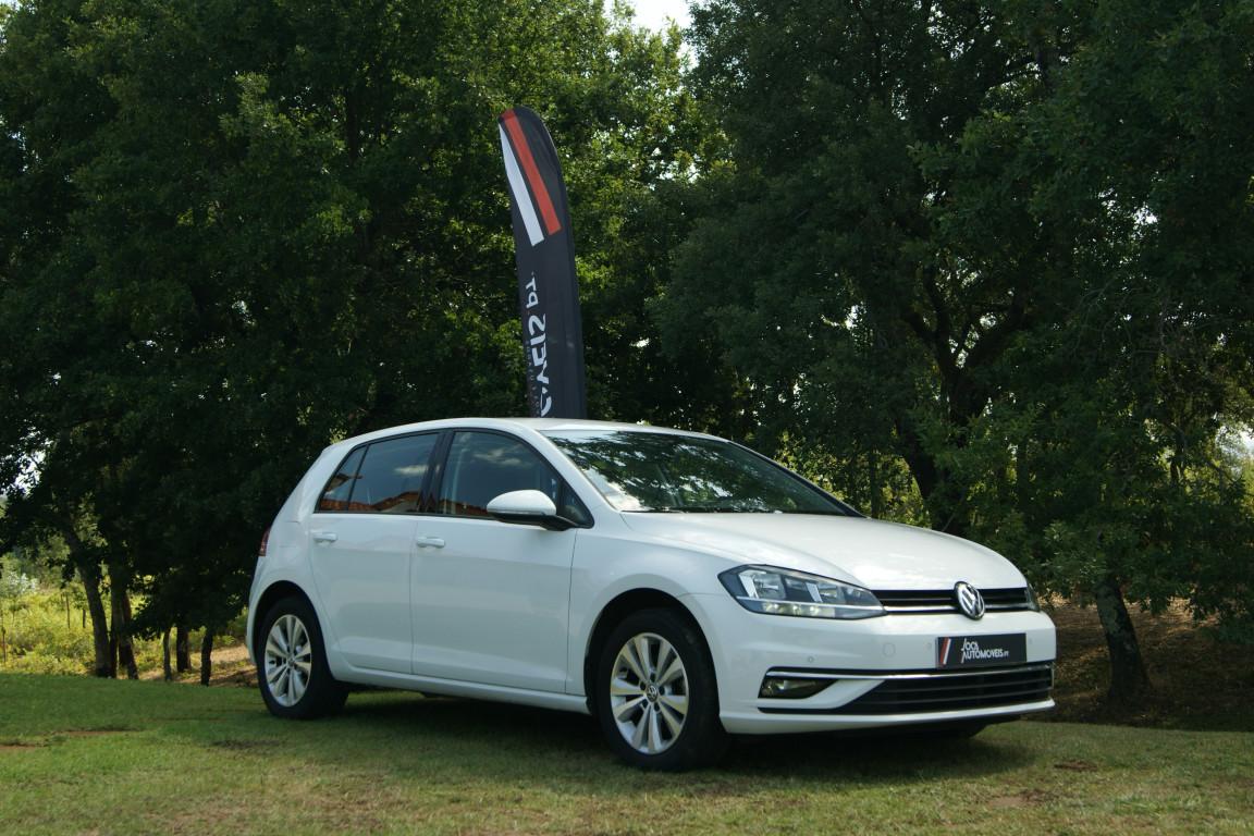 Carro_Usado_Volkswagen_Golf_2017_1598_Diesel_2.jpg