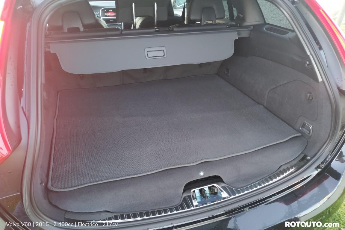 Carro_Usado_Volvo_V60_2015_2400_Electrico_24_high.jpg