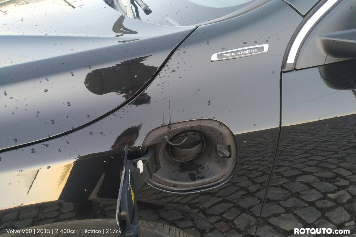 Carro_Usado_Volvo_V60_2015_2400_Electrico_9_high.jpg