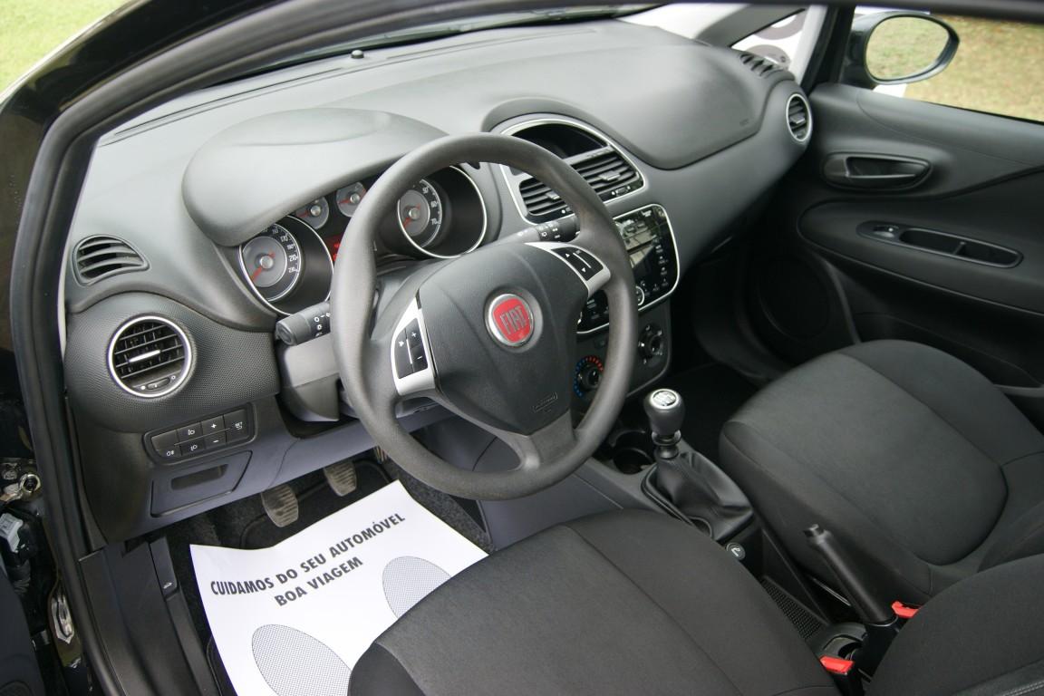 Carro_Usado_Fiat_Grande_Punto_2017_1242_Gasolina_5.jpg